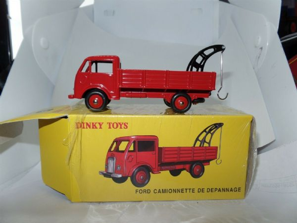 Atlas French Dinky 25R FORD CAMIONNETTE TOW TRUCK DINKY SERVICE IN RED